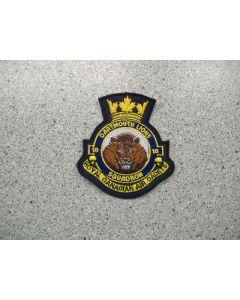 2208 35 - 18 Dartmouth Heraldic Crest