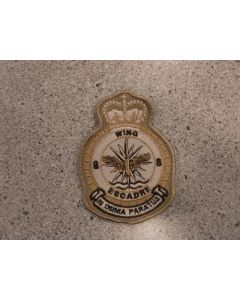 7673 - 8 Wing Heraldic Crest Tan